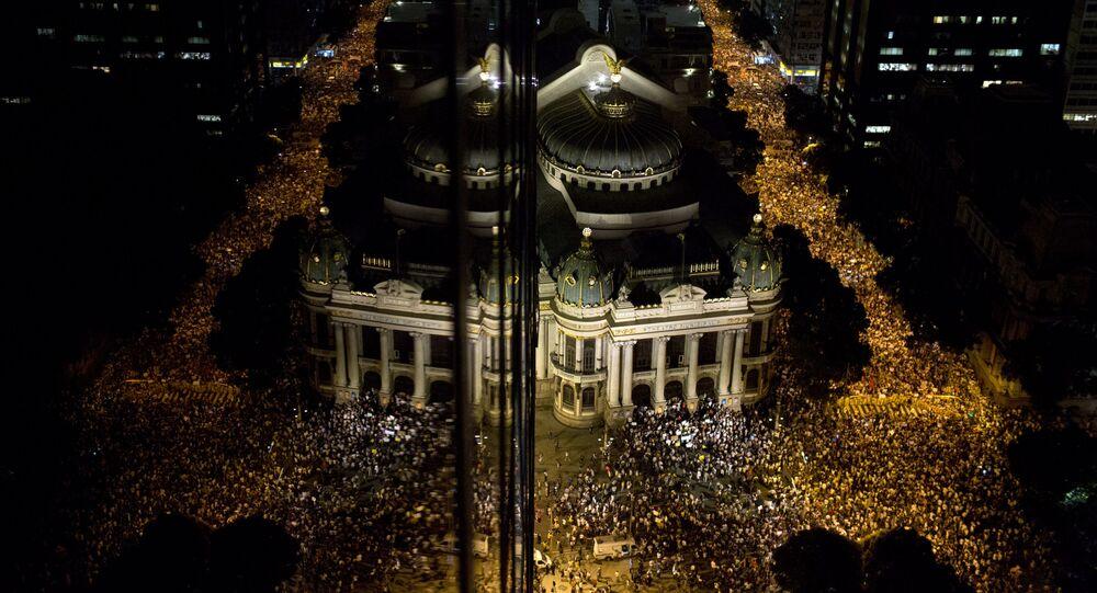Manifestação no centro do Rio de Janeiro em junho de 2013.