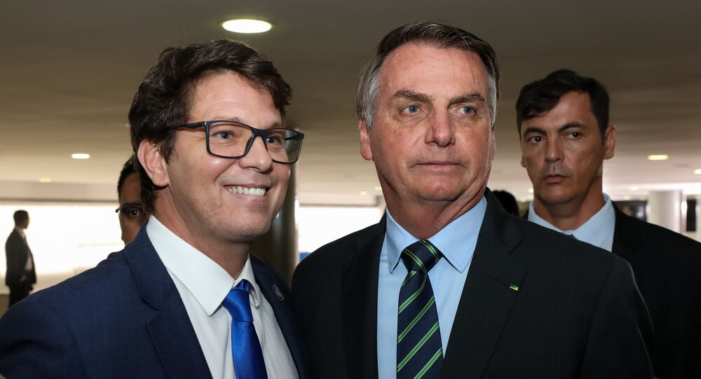 O ator Mario Frias com o presidente Jair Bolsonaro durante cerimônia de posse de Regina Duarte como secretária especial da Cultura do Ministério do Turismo, em Brasília, em 4 de março de 2020