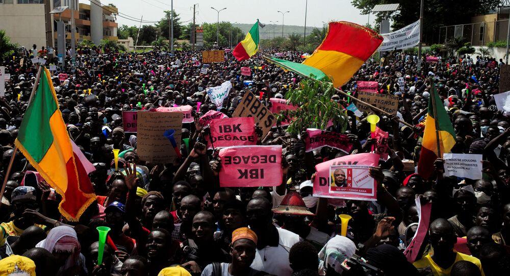 Protesto em Bamako, no Mali, contra o presidente Ibrahim Boubacar Keita, 19 de junho de 2020