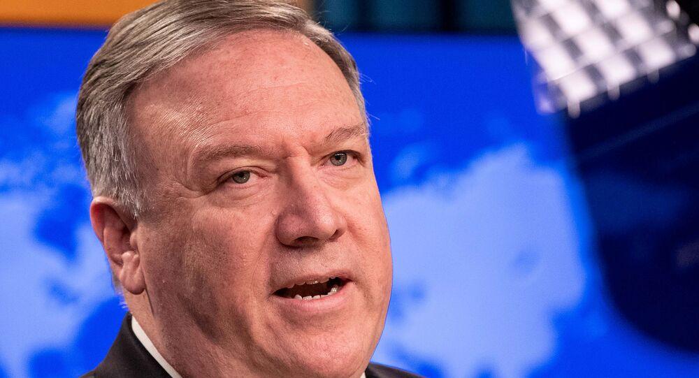 Mike Pompeo, secretário de Estado dos EUA, fala à mídia no Departamento de Estado em Washington D.C., EUA, 20 de maio de 2020