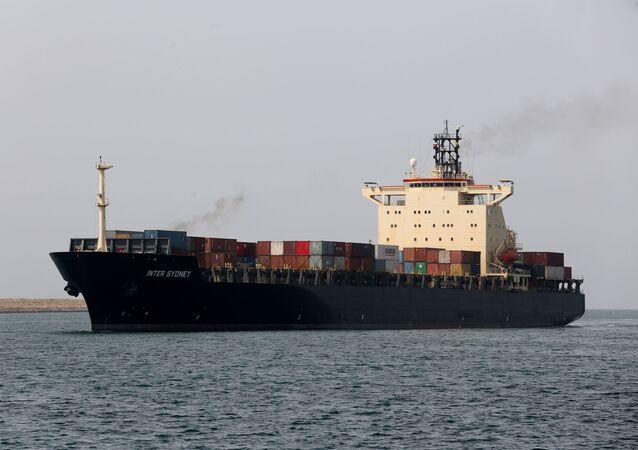 Navio de carga trafegando próximo ao porto de Sahid Baheshti no Irã (foto de arquivo)