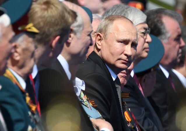Presidente da Rússia, Vladimir Putin, durante a Parada dos 75 anos do Dia da Vitória, em Moscou, 24 de junho de 2020
