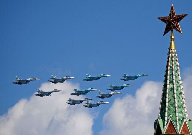 Desfile aéreo sobre a Praça Vermelha