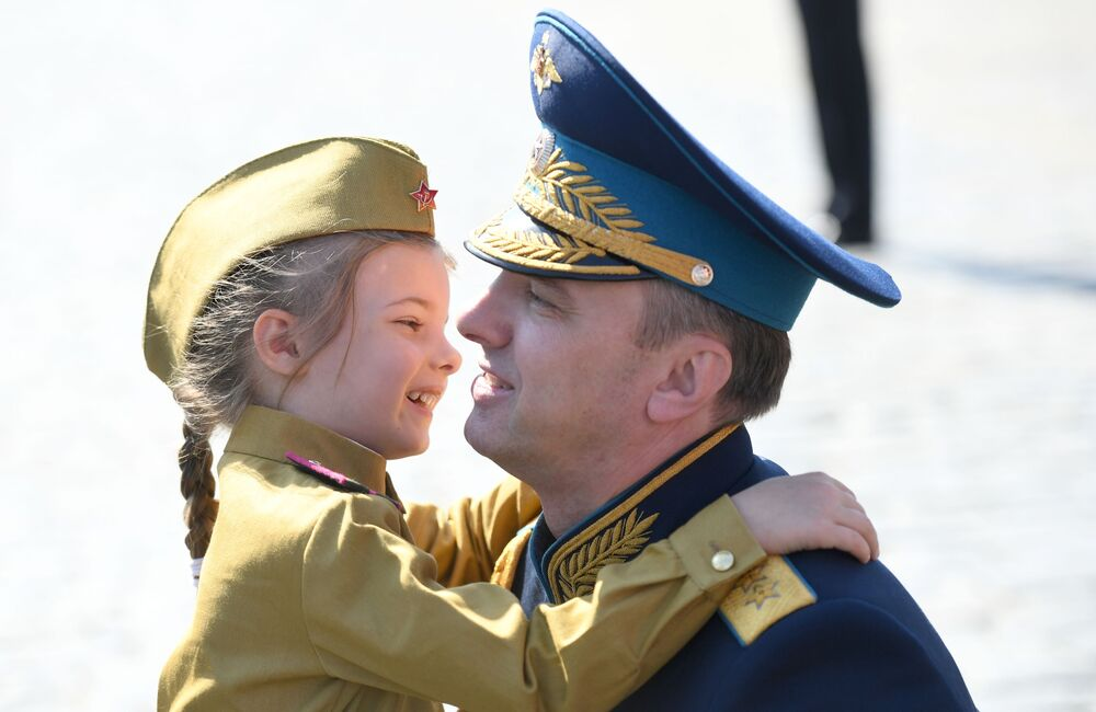 Vice-ministro da Defesa da Rússia Yuri Sadovenko participa da Parada pela Vitória na Grande Guerra pela Pátria