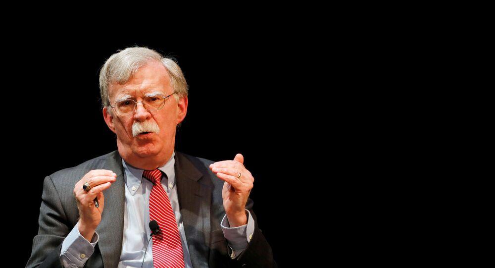 John Bolton, ex-assessor de Segurança Nacional dos EUA, fala durante palestra na Universidade Duke da Carolina do Norte, EUA, 17 de fevereiro de 2020