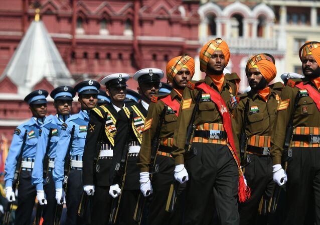 Soldados do Exército da Índia durante a Parada do 75º aniversário da Vitória na Grande Guerra pela Pátria de 1941-1945, na Praça Vermelha, Moscou