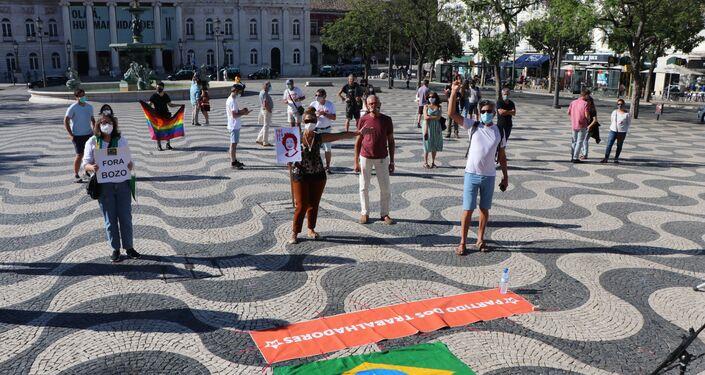 Manifestação em Lisboa, Portugal, contra o governo de Jair Bolsonaro.