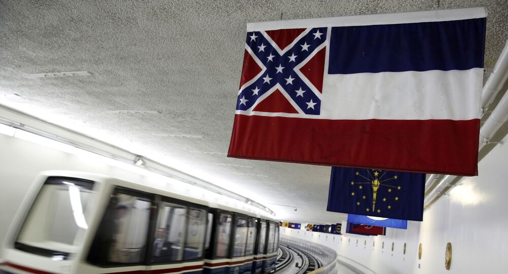 Bandeira de Mississippi, última dos EUA a ter um símbolo confederado