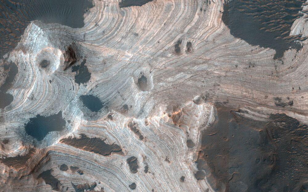 Vista aérea das crateras de Marte