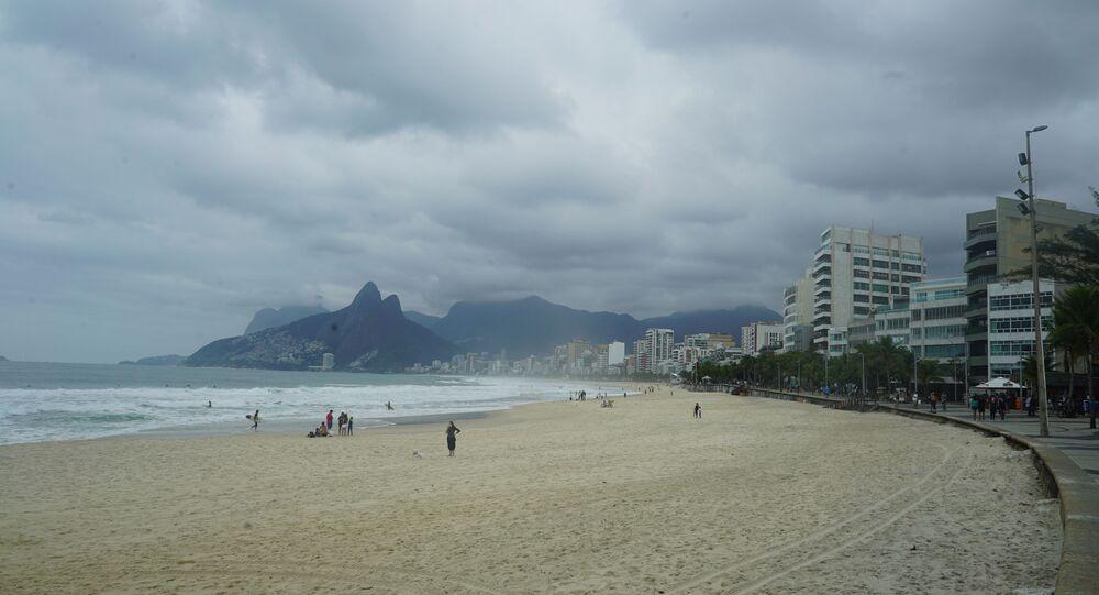 Praia do Arpoador, em Ipanema, Zona Sul do Rio de Janeiro, em 4 de julho de 2020