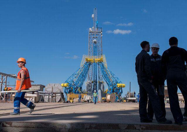 Uma foto tirada no dia 14 de julho de 2015 que mostra uma vista geral da plataforma de lançamento no cosmódromo Vostochny, que está em construção, na região de Amur no Extremo Oriente da Rússia.