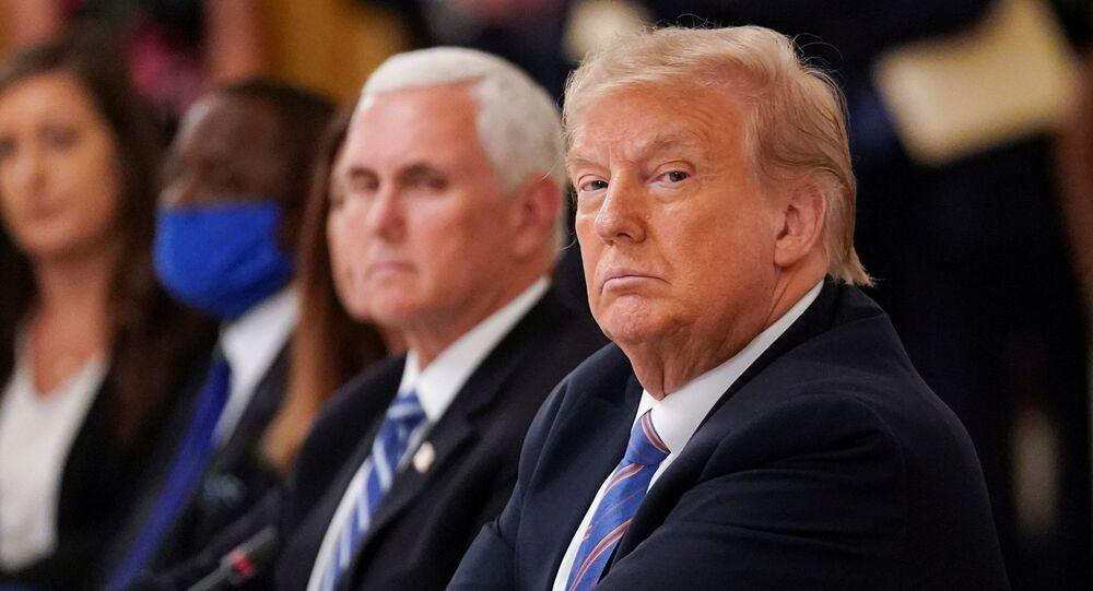 Presidente dos EUA, Donald Trump, e o vice-presidente, Mike Pence, durante reunião na Casa Branca, Washington, 7 de julho de 2020