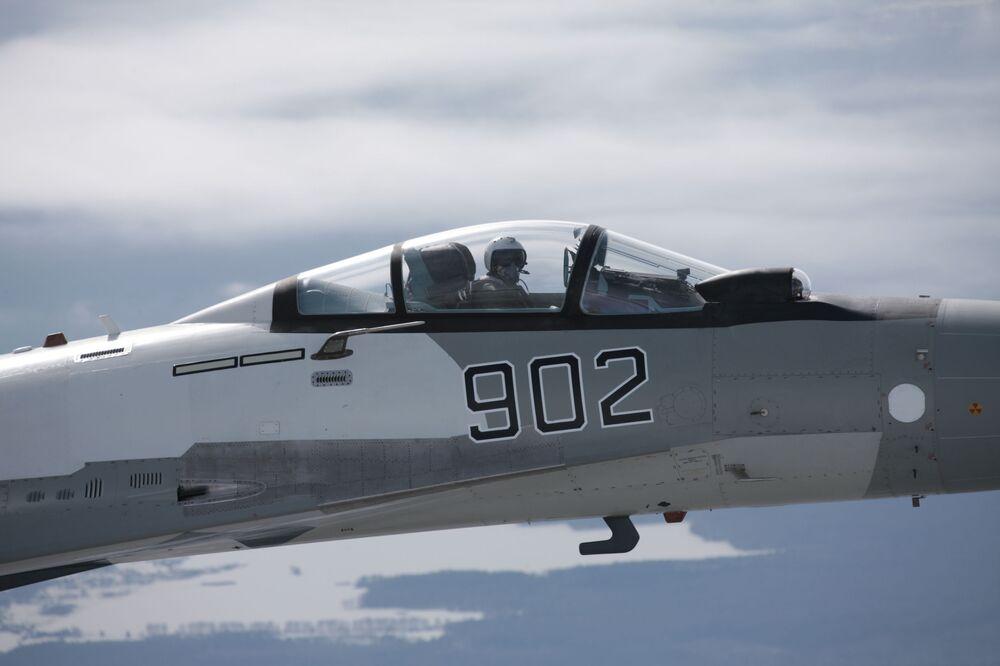 Caça Su-35
