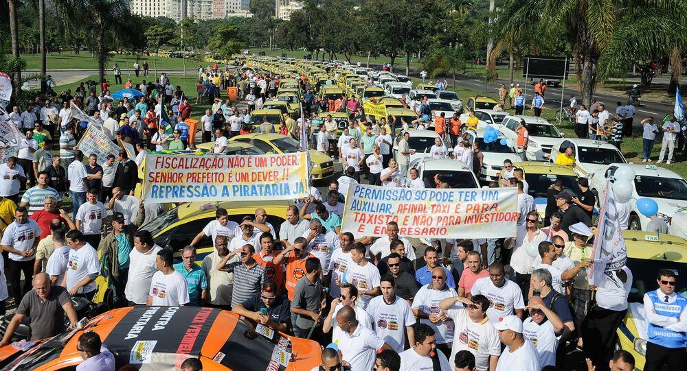 Taxistas do Rio protestam contra o aplicativo Uber