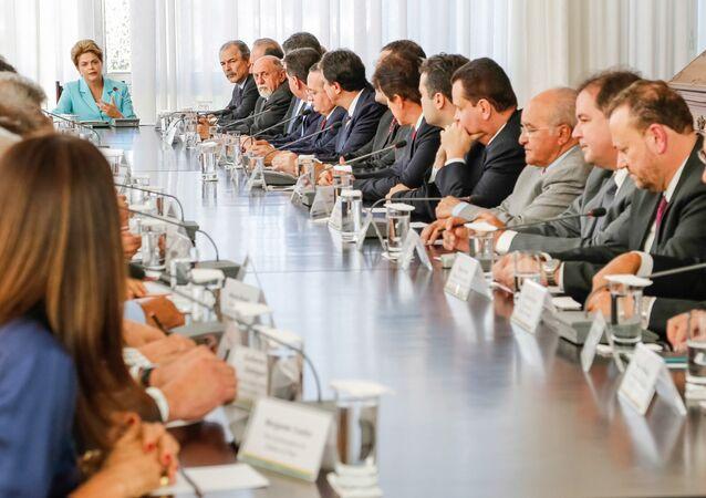 Presidenta Dilma Rousseff durante reunião com governadores no Palácio do Alvorada