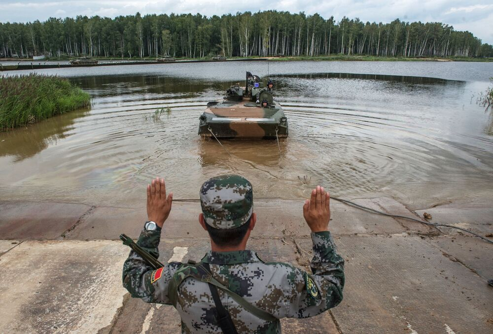 Um militar das Forças Armadas da China no polígono de Alabino na região de Moscou, durante as preparações para os Jogos Internacionais de Exército 2015.