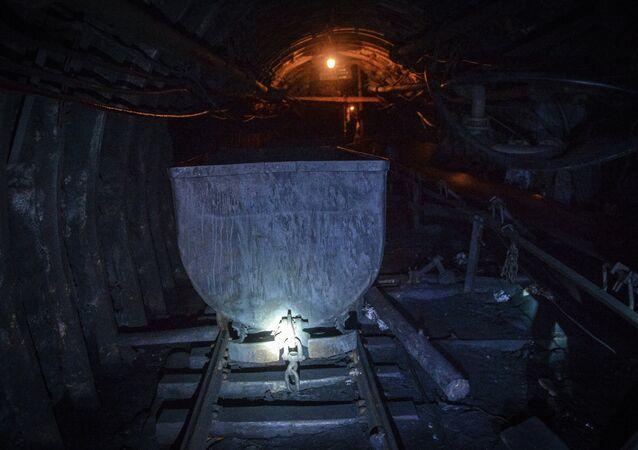 Lugansk prevê que a Ucrânia irá congelar sem o carvão de Donbass