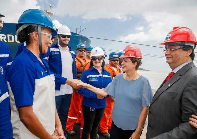Presidenta Dilma Rousseff durante cerimônia de inauguração do Terminal de Grãos do Maranhão – TEGRAM