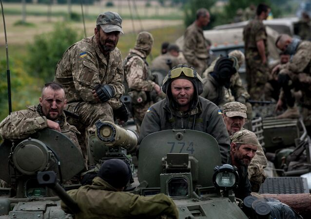Militares ucranianos em Donbass