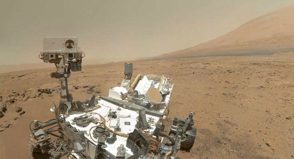 Robô móvel Curiosity em Marte