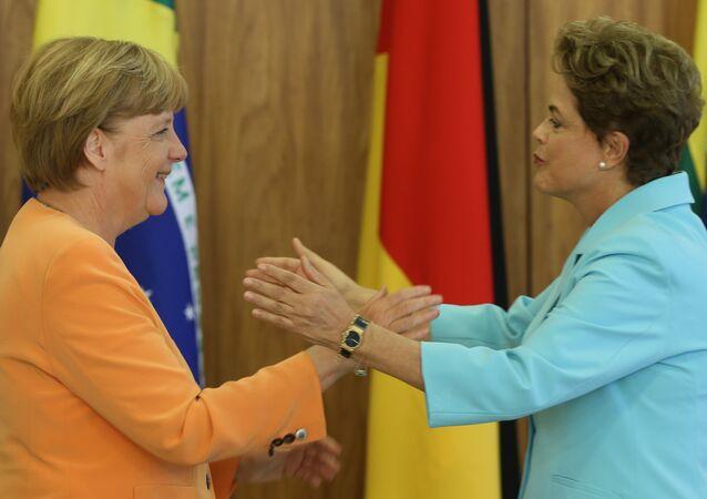 A chanceler alemã, Angela Merkel, a presidenta Dilma Rousseff, no Itamaraty