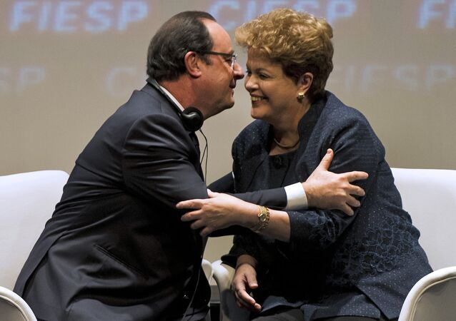 Encontro entre a presidenta Dilma Rousseff e o chefe de Estado francês, François Hollande, em São Paulo, em dezembro de 2013