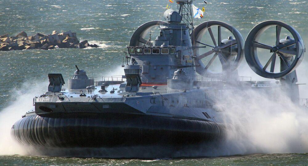 Hovercraft russo Zubr