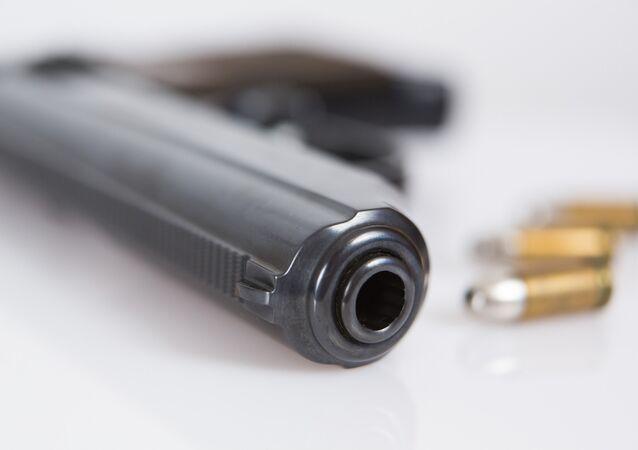 Pistola com munições (imagem referencial)