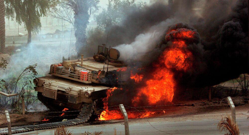 Tanque Abrams em chamas