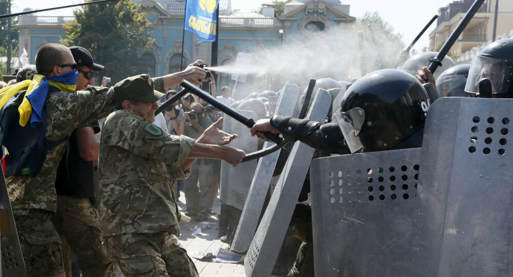 Confrontos entre radicais e polícia em Kiev em 31 de agosto