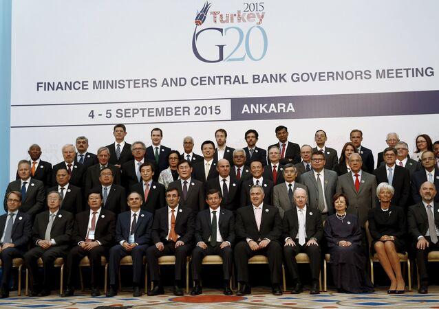 Foto em grupo dos ministros das Finanças e chefes dos bancos centrais dos países do G20 em Ancara, na Turquia. 5 de setembro de 2015.