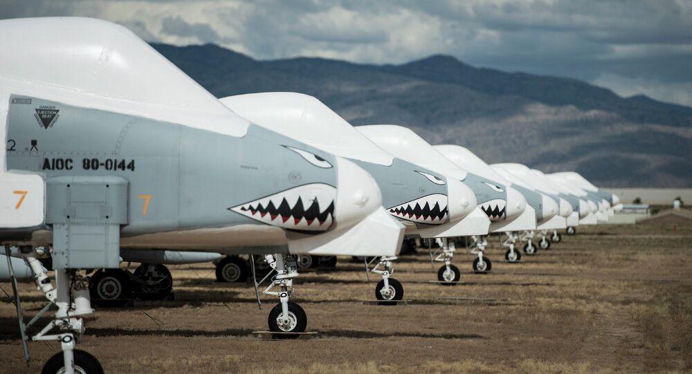 Aviões de assalto A-10 Thunderbolt II na base aérea de Davis-Mountain, na cidade de Tucson, estado do Arizona, Estados Unidos