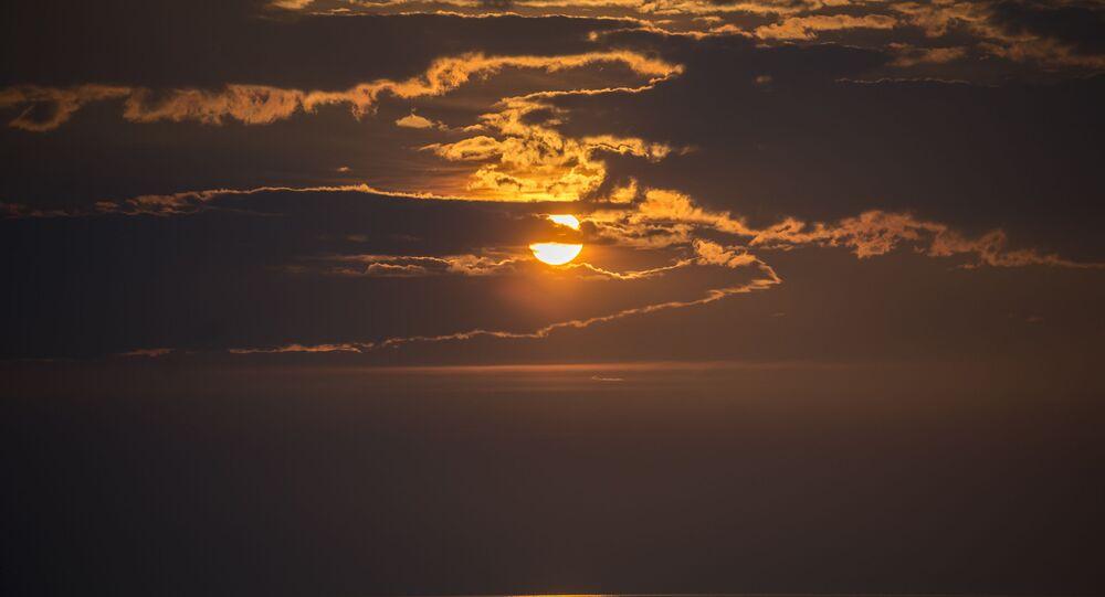 O pôr do Sol sobre o lago Baikal