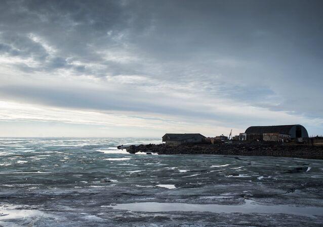 Povoado Dikson, situado na costa do mar de Kara