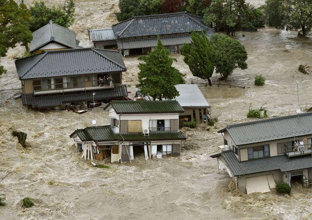Tempestade tropical Etau, no Japão.