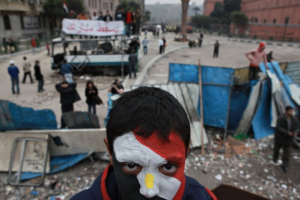 Apoiante da oposição na praça Tahrir, no Cairo
