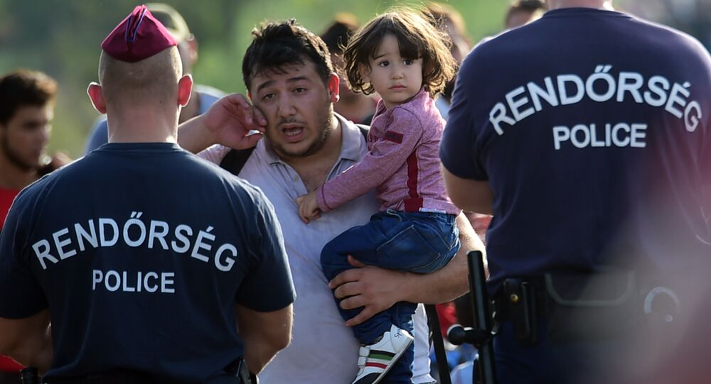 Polícia da Hungria barra passagem a imigrantes