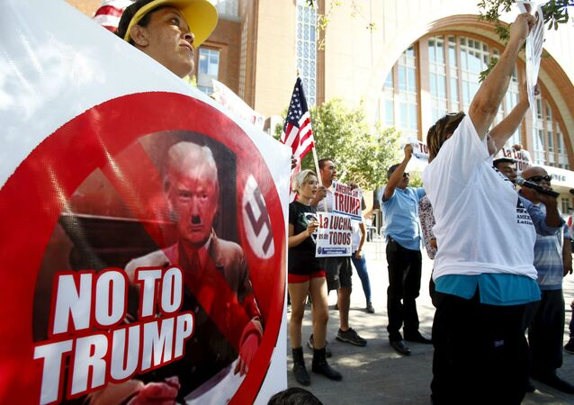 Protesto contra Donald Trump em Dallas.