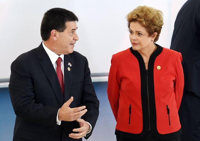 O presidente do Paraguai, Horacio Cartes, durante encontro com a presidenta brasileira, Dilma Rousseff, em Brasília, em 17 de julho de 2015