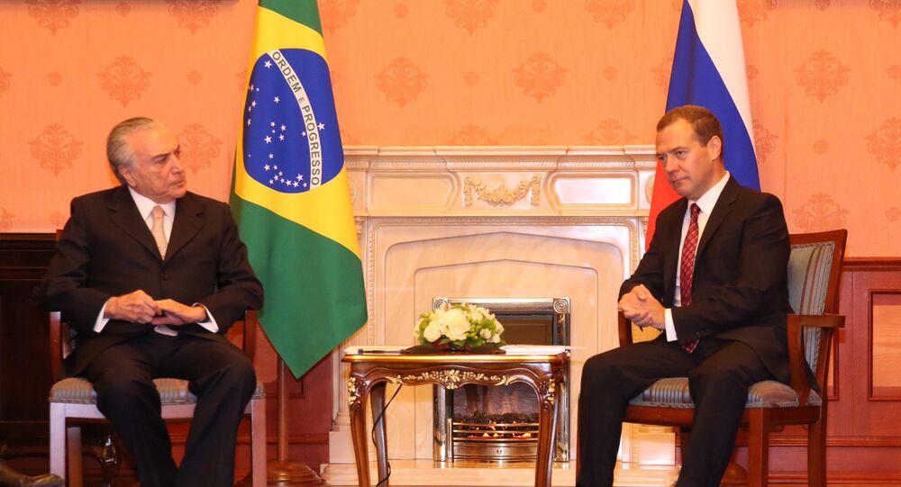 O vice-presidente brasileiro, Michel Temer, durante encontro com o premier russo, Dmitry Medvedev, em Moscou