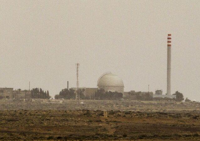 O reator nuclear israelense em Dimona