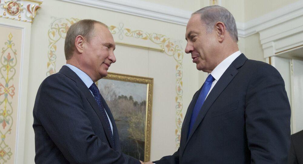 Presidente russo Vladimir Putin e primeiro-ministro israelense Benjamin Netanyahu durante a reunião na residência presidencial de Novo-Ogarevo, 21 setembro de 2015