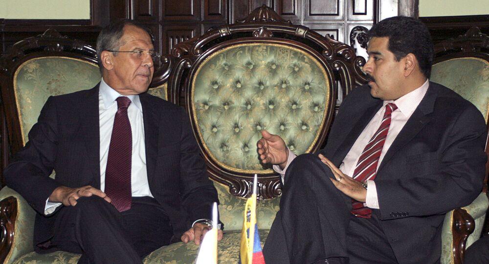 Chanceler russo Sergei Lavrov em reunião com o presidente da Venezuela Nicolás Maduro