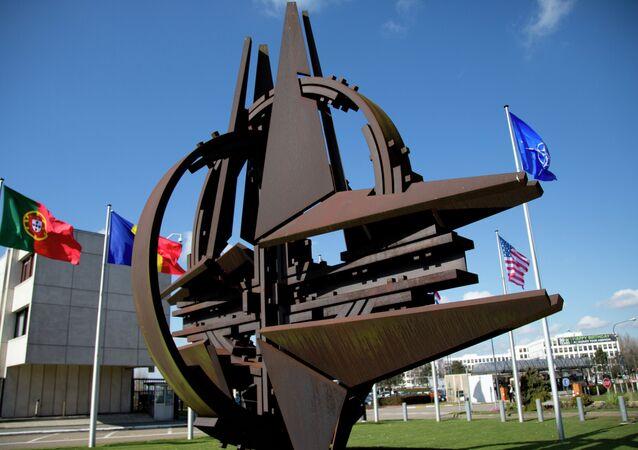 Símbolo da OTAN em Bruxelas