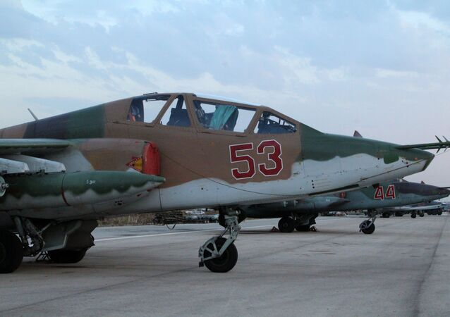 Su-25 no aeroporto Hmeymim, perto de Latakia, na Síria