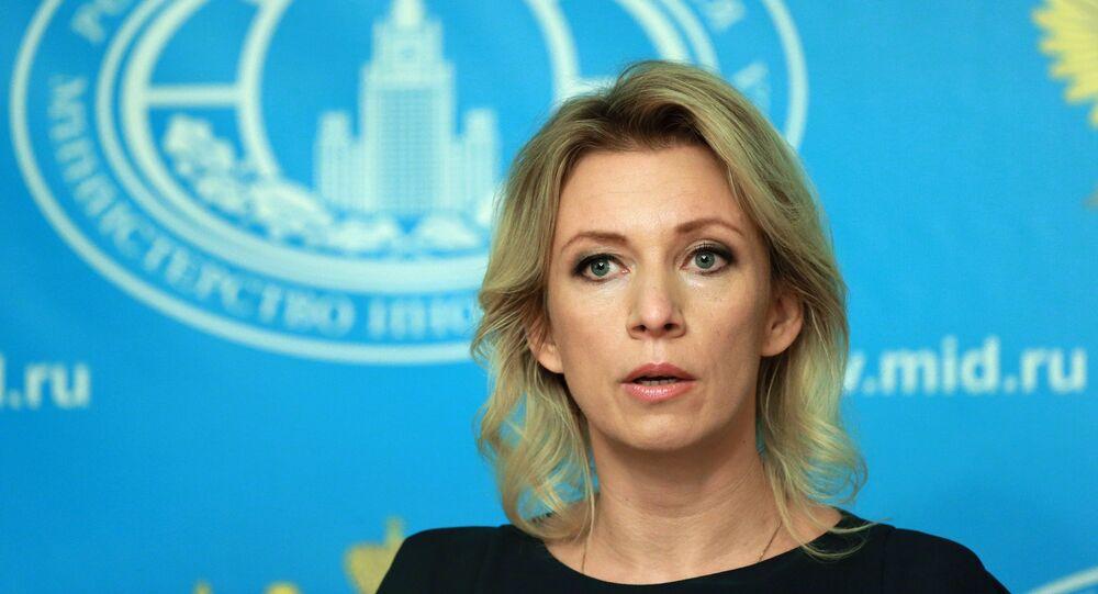 Representante oficial da chancelaria russa, Maria Zakharova, em briefing de 6 de outubro de 2015