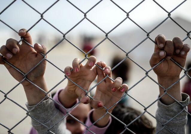 Segundo a Procuradoria-Geral, cerca de três mil estupradores não identificados se encontram em liberdade no país, incluindo mais de 150 violadores de crianças e adolescentes
