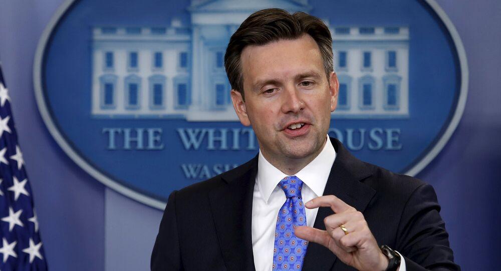 Josh Earnest, secretário de imprensa da Casa Branca, em 3 de setembro de 2015
