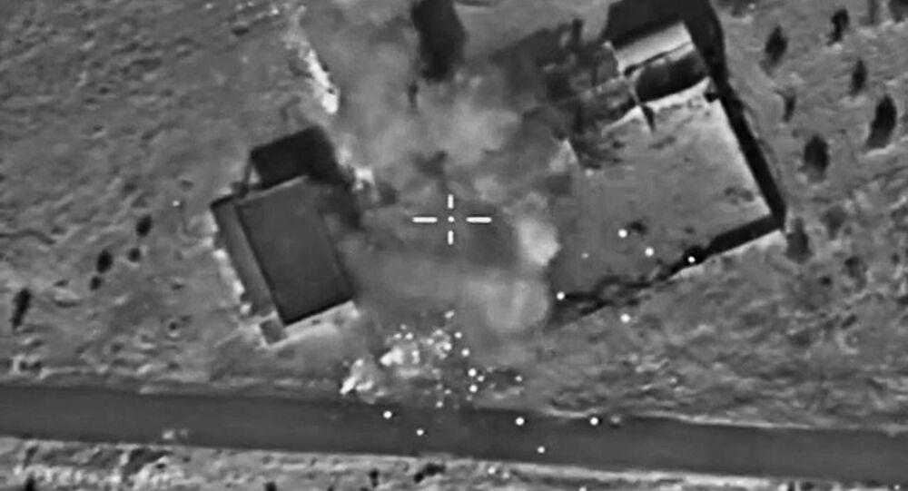 Aeronaves das Forças Aeroespaciais russas atacam posições do Estado Islâmico na Síria