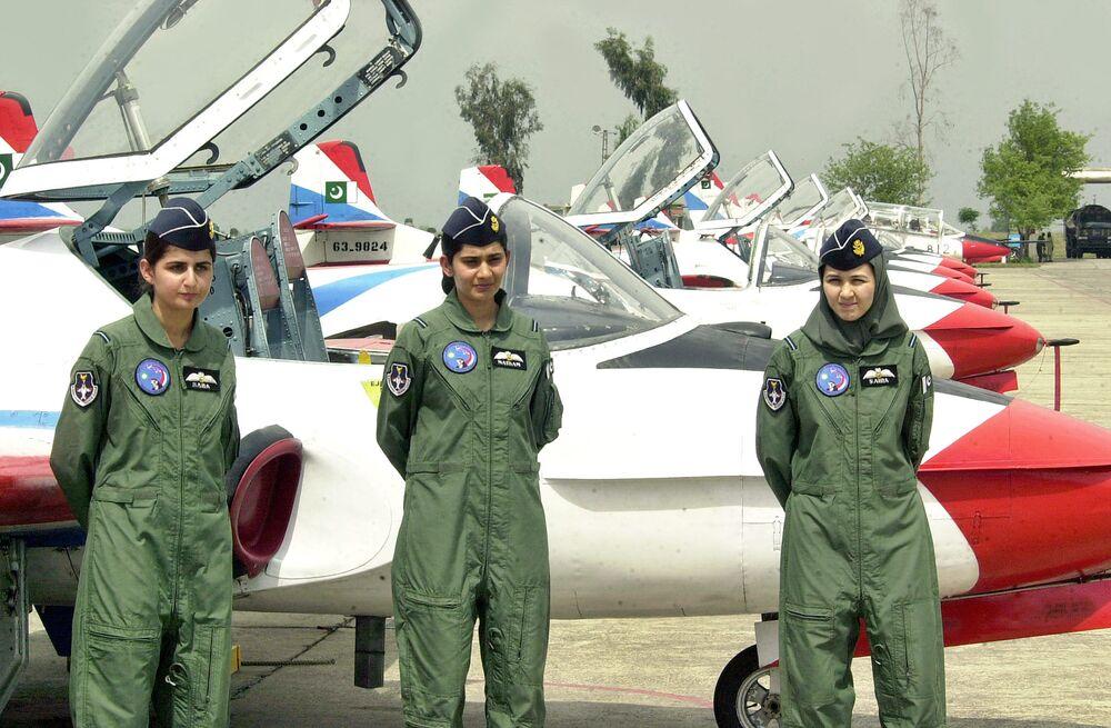 Miss Top Gun: Mulheres que pilotam caças ao redor do mundo
